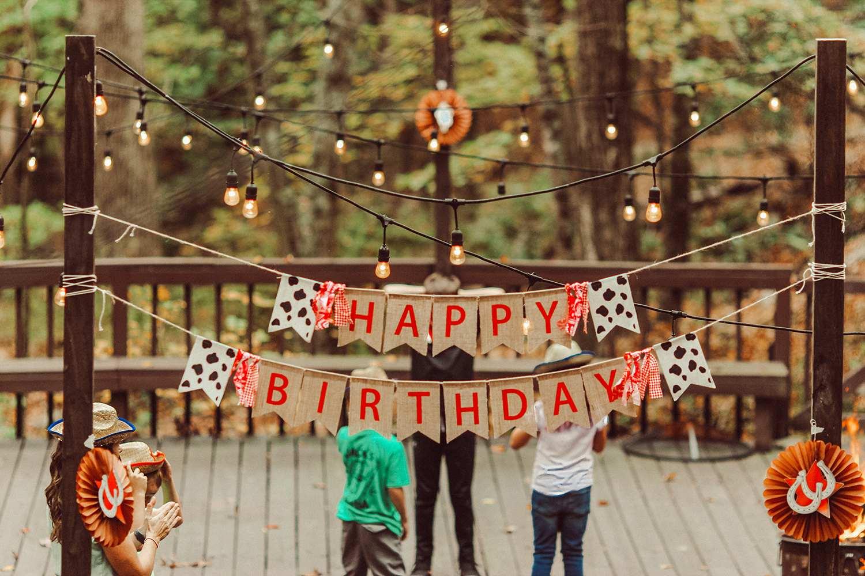 6 ý tưởng đắt giá để tổ chức sinh nhật bất ngờ cho nhân viên