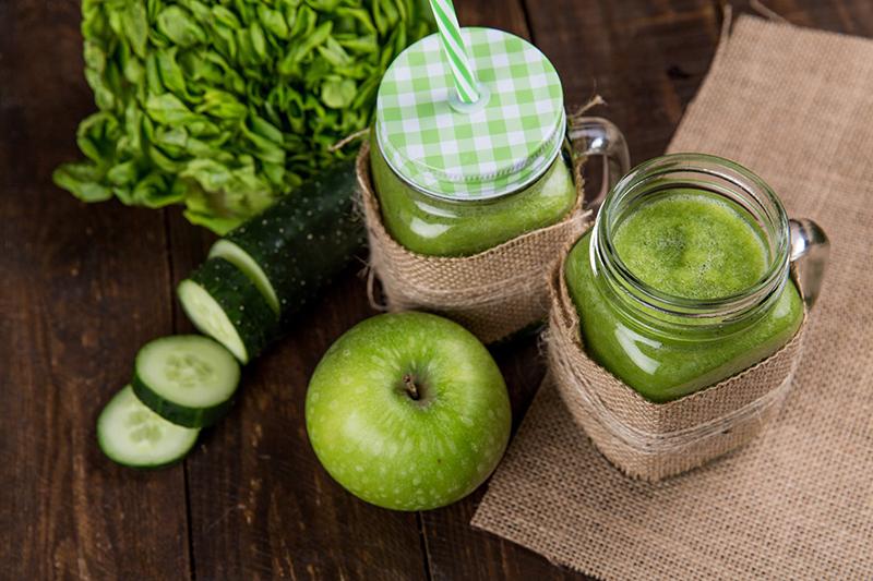Dùng nước trái cây ép sẵn tại nhà tốt hơn cà phê