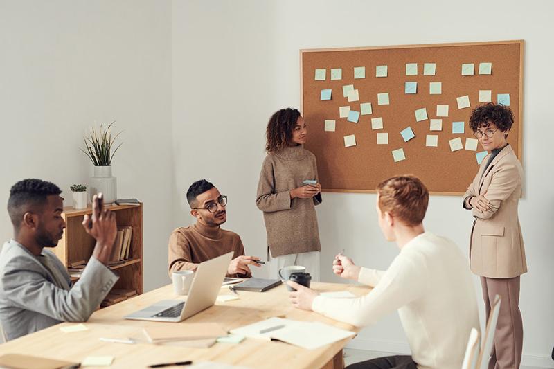 Chỗ trống nhân sự có thể là cơ hội để các thành viên cùng ngồi lại tìm cách cải tổ và tinh giản cơ cấu công ty