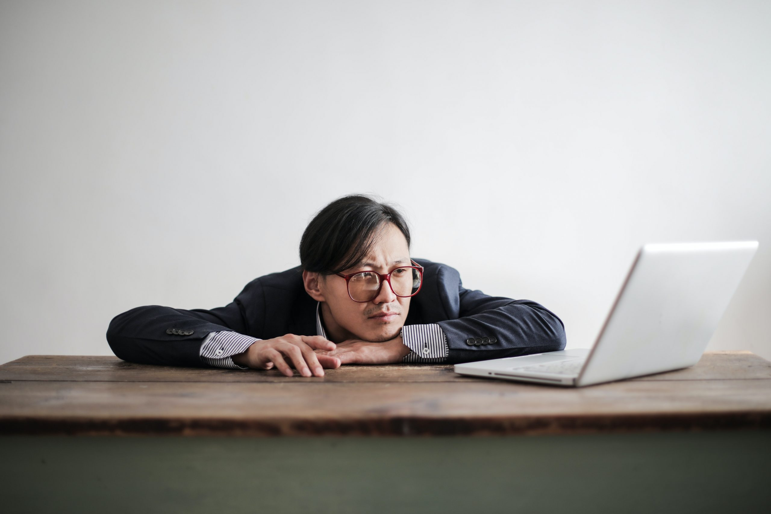 Công việc không còn mang tính thử thách cũng là lý do nhân viên cảm thấy khó tiếp tục phát triển tại công ty