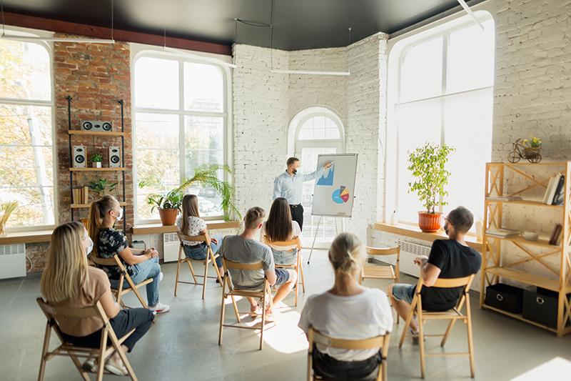 Thường xuyên tổ chức các buổi đào tạo, phổ biến quyền lợi cho nhân viên.