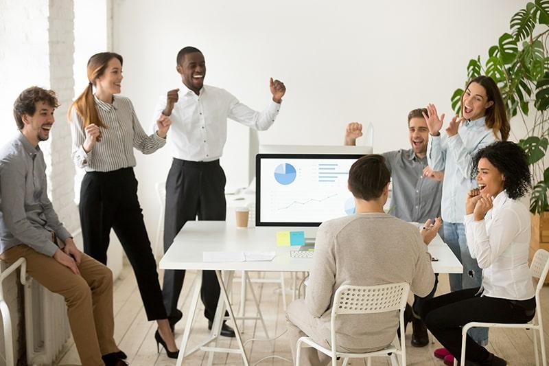 Hiểu được phúc lợi là gì, nhân viên mong muốn các loại phúc lợi nào sẽ giúp doanh nghiệp phát triển bền vững.